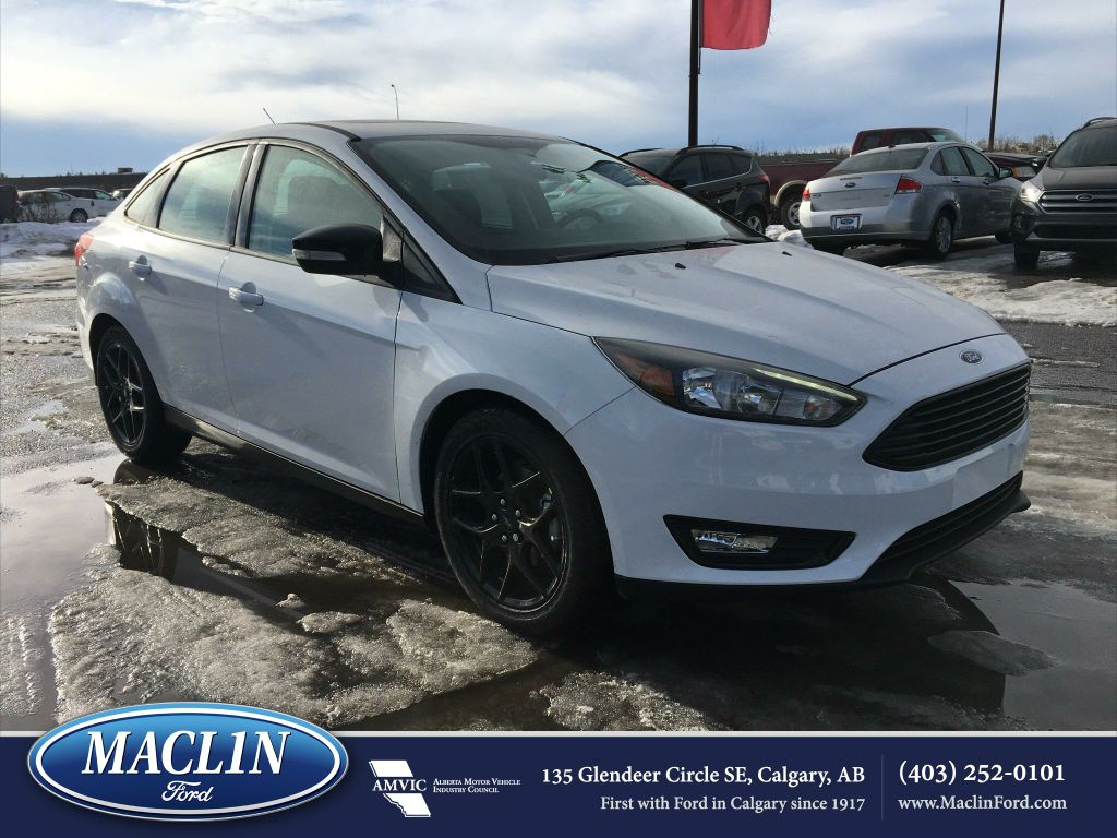 new 2017 ford focus sel in calgary 17fo6652 maclin ford. Black Bedroom Furniture Sets. Home Design Ideas