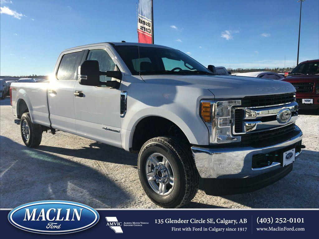 new 2017 ford super duty f 350 srw xlt in calgary 17f32777 maclin ford. Black Bedroom Furniture Sets. Home Design Ideas